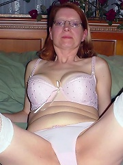 House Wives Pics^amateur Mature Housewives & Milfs Mature Porn Sex XXX Mature Matures Mom Moms Erotic Pics Picture Gallery Free