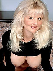 Crystal White Exposes Her Huge Tits^40 Something Mag Mature Porn Sex XXX Mature Matures Mom Moms Erotic Pics Picture Gallery Free